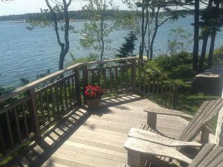 Charming Oceanfront Cottage Steps from the Ocean! - South Thomaston vacation rentals