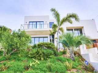 VILLA LUXE-DESIGNER HOME OVERLOOKING SUNSET CLIFFS - Pacific Beach vacation rentals