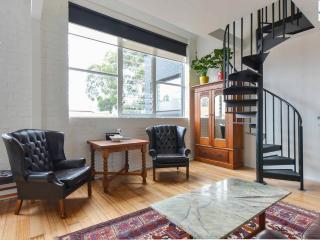 Cool/ Modern/ Warehouse/ Love St Kilda - Melbourne vacation rentals