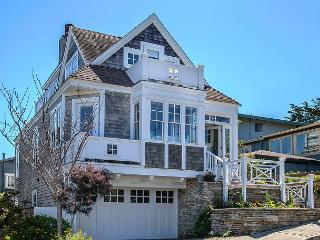 3688 Nautilus - Spring Specials ~ Walk To Town & Seaside Trail, Whale Watch - Pacific Grove vacation rentals