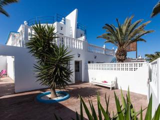 Beautiful central villa – 100m from the beach - Fuerteventura vacation rentals