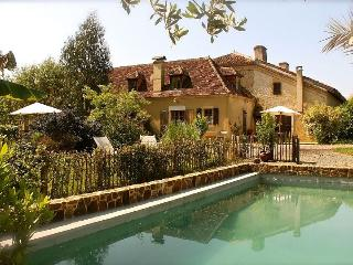 Beautiful country house in the Landes with idyllic garden and pool - Arget vacation rentals