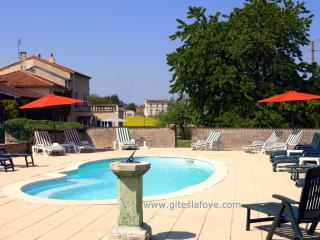 L'Ecurie at  Le Manoir de La Foye, - Aulnay vacation rentals