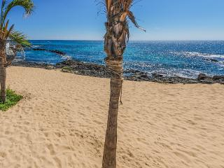 Stunning apartment in Punta Mujeres with sea views, terrace and garden – sleeps 2 - Punta Mujeres vacation rentals