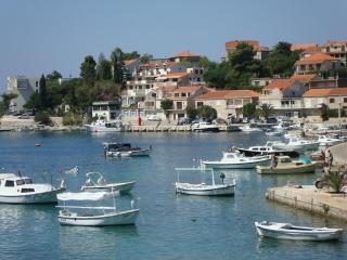 Lovely apartment in a tranquil Dalmatian Coast villa, with balcony and sea view – 100m from beach - Brna vacation rentals