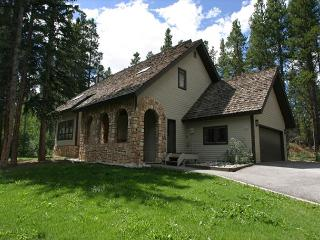Perfect for a family getaway, minutes from Peak 8! - Breckenridge vacation rentals