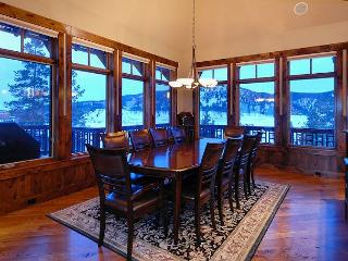 Georgeous Villa in the Highlands, sits on Golf Course, Beautiful Views! - Breckenridge vacation rentals