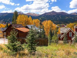 10 Bedroom in town chalet in Historic Breckenridge with wonderful views - Breckenridge vacation rentals