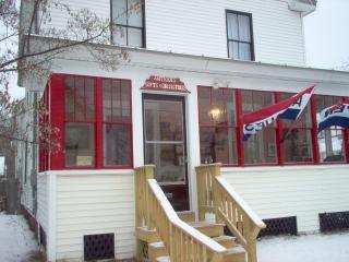 Parks Edge Inn - Affordable Katahdin Lodging - Millinocket vacation rentals