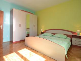 TH00502 Apartment Albina / One Bedroom A4 - Brodarica vacation rentals