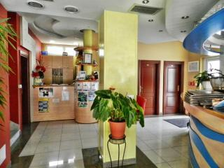 TH00529 Apartments and rooms Astoria / Standard Double Room S11 - Seget Vranjica vacation rentals