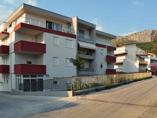 TH00700 Apartment Davor / Two bedroom A1 - Podstrana vacation rentals