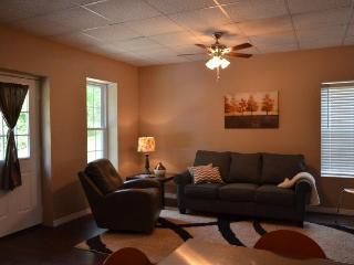 Prairie Creek Cottage-WiFi/Kayaks/Kitchen/Dogs OK - Arkansas vacation rentals