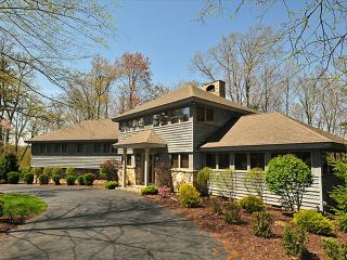 Johnny Appleseed-Lake Front! - Oakland vacation rentals