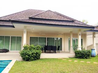 Victoria Villa, 2 bedrooms pool villa - Rawai vacation rentals