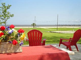 BEV'S BEACH HOUSE - Come and Enjoy This Beautiful Beach House in Waveland ! - Pass Christian vacation rentals