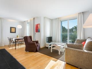 Homearound Rambla Suite & Pool 22 (1BR) - 10% OFF MAY / F1 STAY - Barcelona vacation rentals