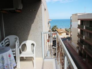 Apartment for 6 persons. Just 100m from the beach - Guardamar del Segura vacation rentals