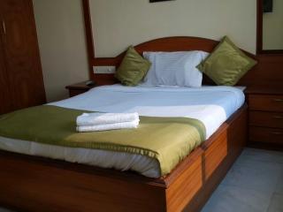 14 Square Powai Atharva - Mumbai (Bombay) vacation rentals