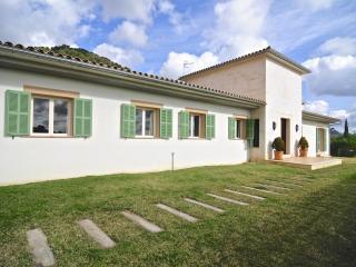 Villa Blanca Caimari - Caimari vacation rentals