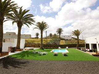 Cottage Flor de Timanfaya - Tinajo vacation rentals