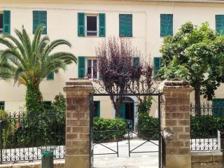 Tranquil village apartment in Venaco, Upper Corsica - sleeps 4 - Venaco vacation rentals