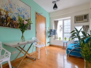 New Reno,Mongkok MTR, Ladies Mkt - Hong Kong vacation rentals