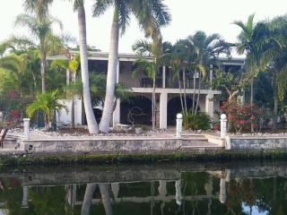 Beautiful Canal Home - Minutes From Open  Water - Alden vacation rentals