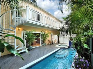 Coral House | Indoor and outdoor elegance | Summer perfection - Key West vacation rentals