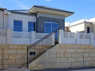 Blackrock Beauty - Quinns Rocks vacation rentals
