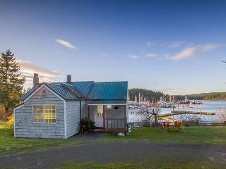 Waterfront Cottage near town - (Best Place Cottage) - Friday Harbor vacation rentals