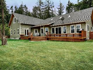 Home with Hot Tub on Golf Course - (San Juan Escape) - Friday Harbor vacation rentals