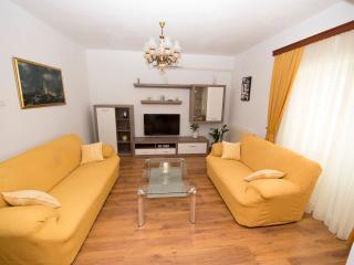 Apartment Meri A2 - Island Ciovo vacation rentals