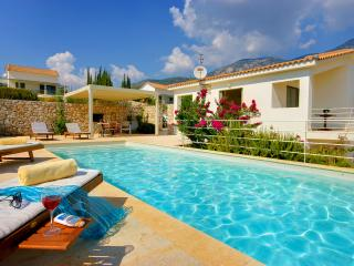2 Bedroom Grand Villa Littorina - Trapezaki vacation rentals