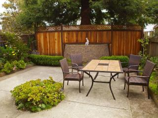 Modern, quiet 2-BD w. garden near BART and MUNI - San Francisco Bay Area vacation rentals