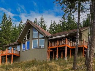 3-for-2 Spring Special! Big Views from Beargrass Lodge! Hot Tub - Cle Elum vacation rentals