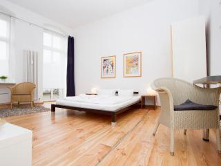 City Apartment Prenzlauer Berg 7 - Berlin vacation rentals