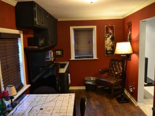 Studio in Nice Classic Midtown Area - Tulsa vacation rentals
