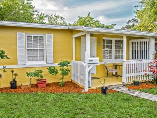 1948 quaint villa downtown cocoa beach - Cocoa Beach vacation rentals