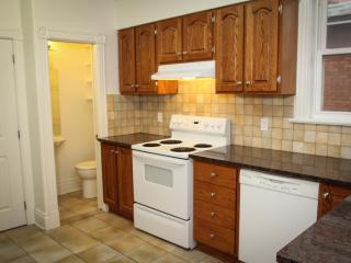 Huge 4BR in the Heart of Ottawa - Ottawa vacation rentals