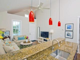 Bess in the Truman Suites - Luxury 1 bedroom 1 bath with full kitchen - sleeps up to 2 - Florida Keys vacation rentals