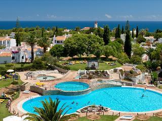1 Bedroom Apartment in 4 Star Resort – Carvoeiro - REF. RB163238 - Carvoeiro vacation rentals