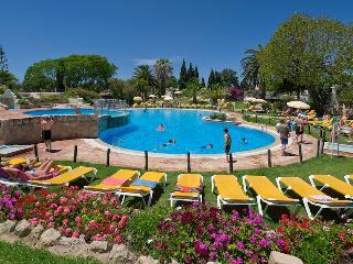 2 Bedroom Townhouse in 4 Star Resort – Carvoeiro - REF. RB163246 - Carvoeiro vacation rentals