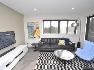 CRE 3 WIN Blue - Cremorne - Cnr Gerard & Winnie Street - Sydney vacation rentals