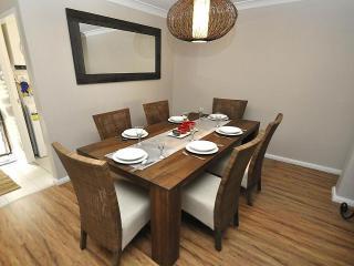 NR 2 FONT - North Ryde / Mac Park - Fontenoy Road - Sydney vacation rentals
