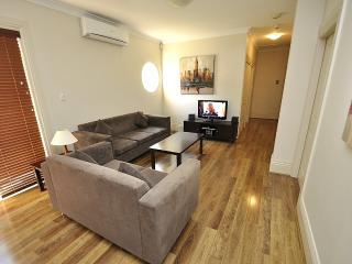 RAN4HG30 - Randwick - High Street - Sydney vacation rentals