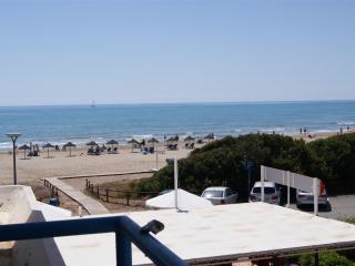 PRIMERA LINEA PLAYA CARGADOR - Apartamento 2/4 est - Alcossebre vacation rentals