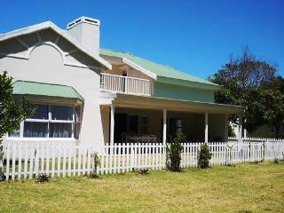 Within walking distance to the shops and central beach - The Crags vacation rentals