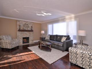 Beautiful Updated 2 Storey Home In Central Locatio - Ottawa vacation rentals