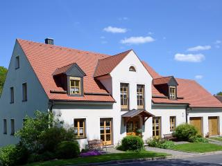 Vacation Apartment in Ploessberg - 592 sqft, 2 bedrooms, max. 4 people (# 6213) - Konnersreuth vacation rentals